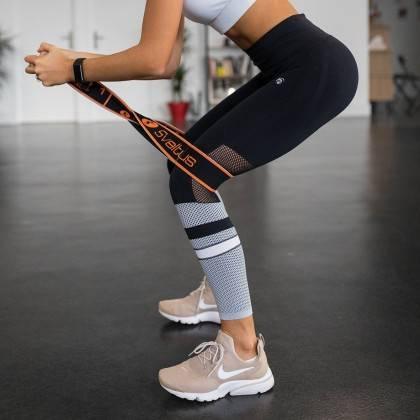 Elastyczna taśma do ćwiczeń Elastiband® Multi 30kg | długość 110cm | czarna Sveltus - 2 | klubfitness.pl